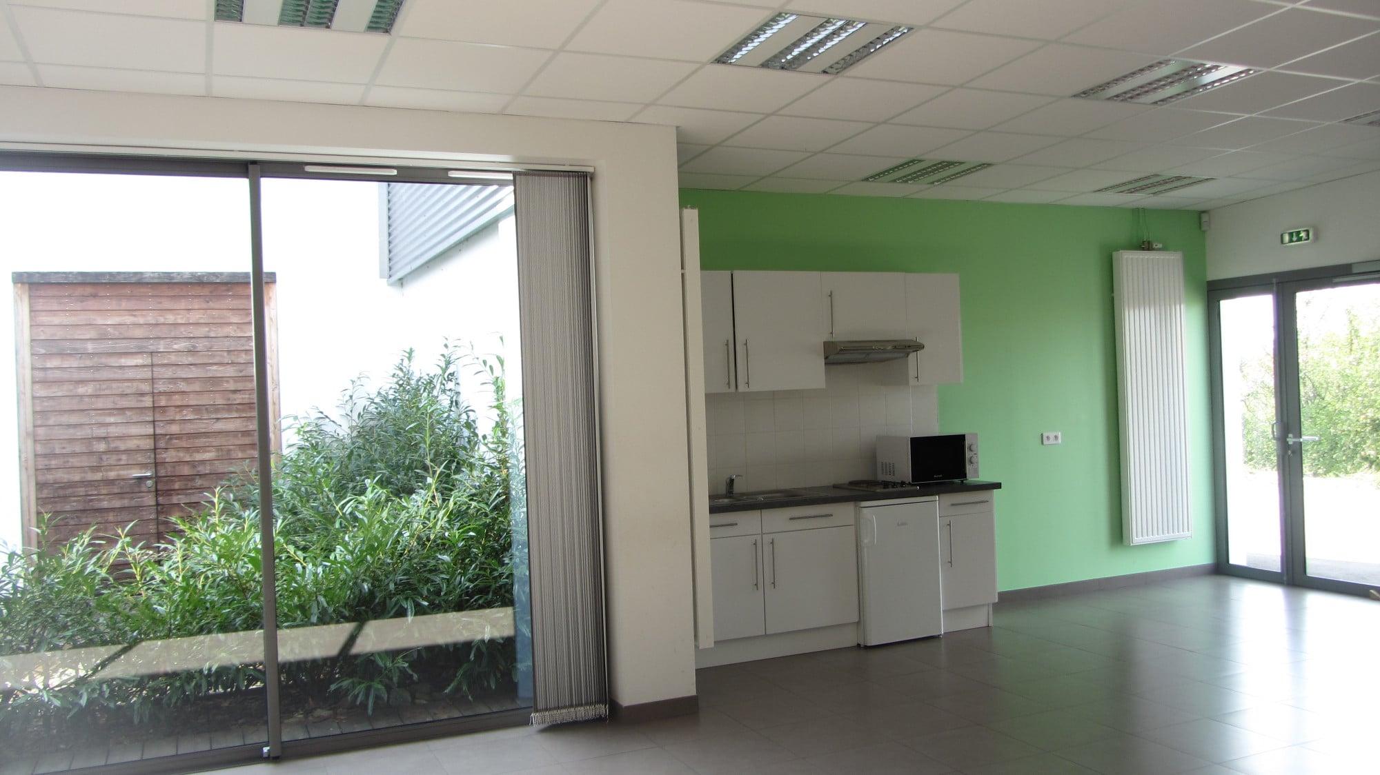 salle-indépendante-verte-espace-culturel